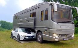 Không chỉ là xe, đây còn là cả một khách sạn 5 sao di động có cả garage để bạn mang theo siêu xe đi mọi nơi