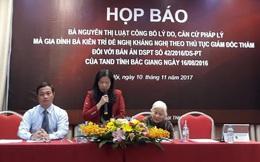 Sau ông Minh Mẫn, 1 bà 79 tuổi tổ chức họp báo