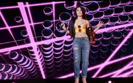 [Video] Mỹ Tâm mặc gợi cảm, suýt ngã nhào vì nhảy quá sung