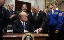Tổng thống Donald Trump lệnh cho NASA quay lại Mặt trăng