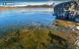 """Hồ nước đóng băng ở Siberia phát ra âm thanh đáng sợ, tựa như """"ngoài hành tinh"""""""