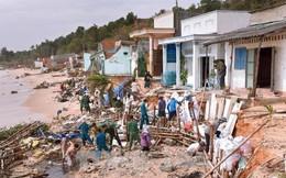 Bình Thuận: Sóng lớn gây sạt lở 1.000 m bờ biển, gần 30 ngôi nhà sập, hư hỏng