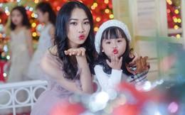 Hoa hậu Thủy Tiên xinh đẹp, nhí nhảnh bên mẫu nhí