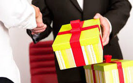 Nghiêm cấm mọi hình thức tặng quà Tết cho lãnh đạo