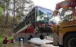 Đà Lạt: Xe giường nằm tông vào vách núi trên đèo Prenn