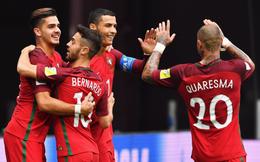 """Ronaldo cho Messi """"ngửi khói"""", BĐN đại thắng 4-0"""