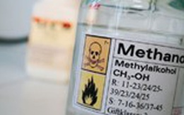 Quán ăn Hà Nội bán rượu chứa methanol vượt ngưỡng hơn 2.000 lần