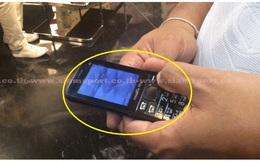 """Vì sao HLV Thái Lan lại chỉ dùng điện thoại """"cục gạch"""" ở SEA Games 29?"""
