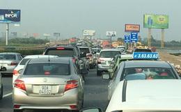 3 ôtô va chạm liên hoàn, cao tốc Pháp Vân - Cầu Giẽ ùn tắc kéo dài