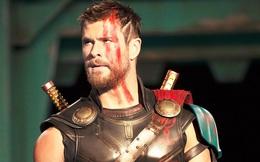 """""""Thor: Ragnarok"""": Lần đầu tiên búa thần bị phá vỡ"""