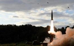 """Tên lửa Triều Tiên """"dư sức bắn tan phòng Bầu Dục"""""""