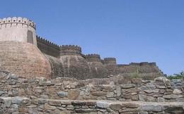"""Trường thành Kumbhalgarh: Pháo đài """"bất khả chiến bại"""" bí ẩn bậc nhất trên thế giới"""