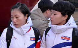 Cận cảnh các cô gái Triều Tiên đội hockey nữ vừa đặt chân lên Hàn Quốc