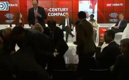 Ngoại trưởng Tây Ban Nha đột ngột đổ bệnh trong sự kiện trực tiếp ở Davos