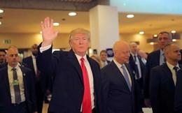 """Ông Donald Trump """"lạ mà quen"""" ở Davos"""