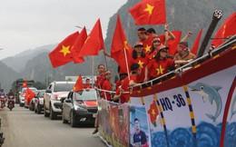 Đoàn người đổ về nhà thủ môn Tiến Dũng để xem trận chung kết U23 Châu Á chiều nay
