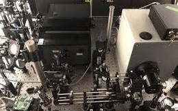 Máy ảnh 'siêu tốc' chụp 10 nghìn tỷ khung hình/giây