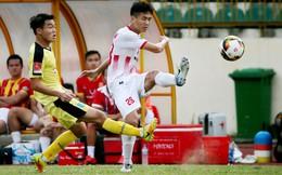 """Lạnh lùng tung đòn """"kết liễu"""", tân binh của thầy Park giúp Nam Định ở lại với V.League"""