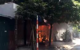 Tìm thấy thi thể trong nhà kho bị cháy ở Hà Nội