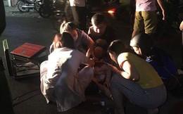 Cô gái bị đâm gục trên phố Hà Nội, đầu đội mũ bảo hiểm hé lộ nghi phạm gây án