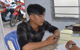 Thanh niên bị bắt vì mua đồ dùng giả công an để phòng thân