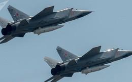 """""""Sát thủ vệ tinh"""" Nga khiến Mỹ hoảng hồn"""