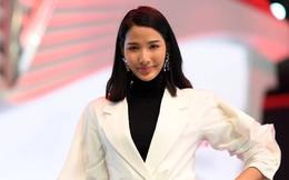 """Hoàng Thùy, Quang Đại háo hức trước trước """"giờ G"""" ở Paris Motor Show"""