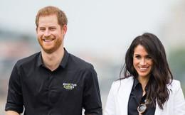 """Người hâm mộ phát sốt khi Hoàng tử Harry bất ngờ """"lỡ miệng"""" nói về giới tính của đứa con đầu lòng"""
