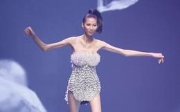 Người mẫu Việt gầy trơ xương gây sốc: Trốn biệt suốt 3 tháng ở nhà để tăng cân