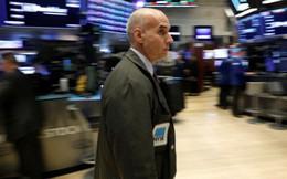 Rớt mạnh, Dow Jones và S&P mất sạch thành quả tăng 2018