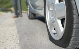 Ô tô bị nổ lốp bất ngờ cần xử lý như thế nào?