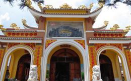 BQL đền thờ bỏ tiền tỉ mua xe đi giao lưu: Mỗi năm cúng hơn 100 đình, đi xe máy nguy hiểm