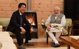 Ông Abe lần đầu khoe nhà riêng sang trọng, ông Modi học cách dùng đũa kiểu Nhật