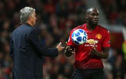 Muốn cứu Man United lúc này, nhất định phải... giữ Mourinho lại