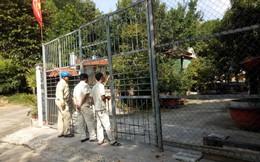 Đại gia vàng lệnh không mở cửa biệt phủ, đoàn kiểm tra bất lực đứng ngoài cổng nhìn vào