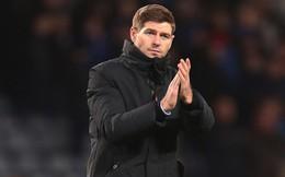 HLV Gerrard nghiêm khắc 'dằn mặt' cậu học trò trẻ tuổi trong buổi họp báo