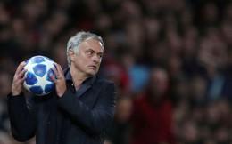 """Phớt lờ câu """"thần chú"""" có từ hàng chục năm trước, Mourinho đang """"giết chết"""" Man United"""