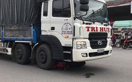 """Bé gái 10 tuổi bị xe tải cán qua người tử vong tại """"ngã tư tử thần"""" ở Sài Gòn"""