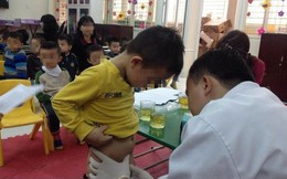 Trẻ hẹp bao quy đầu: 4 dấu hiệu cần đưa tới bệnh viện