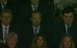"""Man United thắng ngoạn mục, nhưng vẫn có kẻ chực chờ """"đâm sau lưng"""" Mourinho"""