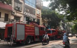 Hà Nội: Cháy nhà 5 tầng vắng chủ, cảnh sát phải phá cửa dập lửa