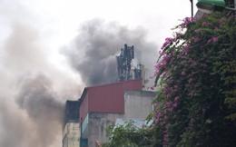 Hà Nội: Nghi gia chủ đốt vàng mã khiến nhà 9 tầng bốc cháy dữ dội