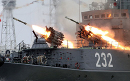 """Tư lệnh hải quân Ukraine: Moskva định """"chọc sườn"""" Kiev từ biển Azov, nhưng chưa đủ tự tin"""