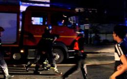 Cháy lớn tại kho xưởng nệm, nội thất ở TP.HCM, 1 chiến sĩ cảnh sát bị thương
