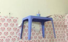 Ngó vào phòng trọ của bạn, cô gái hoang mang khi thấy cái bàn thờ trên tường