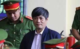 Cựu tướng Phan Văn Vĩnh, Nguyễn Thanh Hóa khỏe mạnh khi tới tòa, đi lại nhanh nhẹn