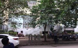 Hà Nội: Người dân hoảng loạn chứng kiến bé trai 5 tuổi rơi từ tầng 7 chung cư xuống đất