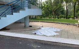 Nghi nam sinh viên nhảy lầu tự tử ở làng Đại học Quốc gia TP HCM