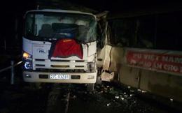 Xe tải đâm ô tô chở đoàn từ thiện ở thủ phủ ma túy Lóng Luông, nhiều người bị thương