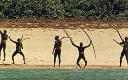 Bí ẩn những bộ lạc sống biệt lập: Thổ dân giết người lạ, dùng cung tên đối đầu trực thăng